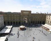 Piazza_Repubblica_Firenze