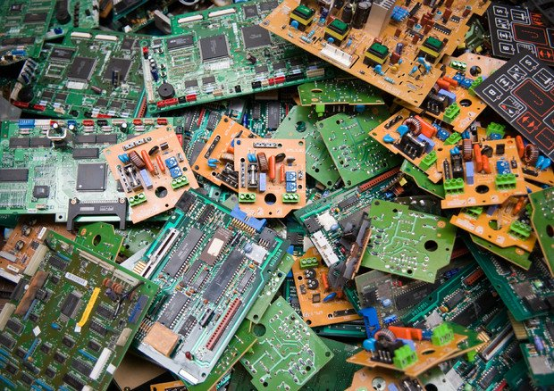rifiuti elettrici elettronici